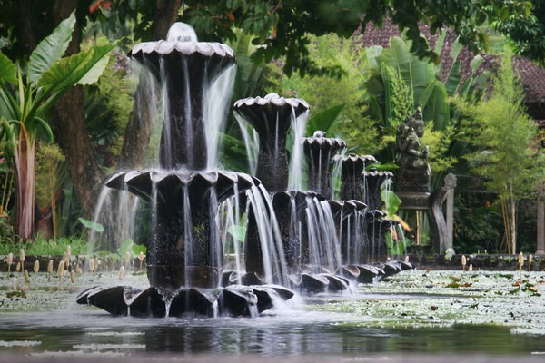 Tirta Gangga, Bali