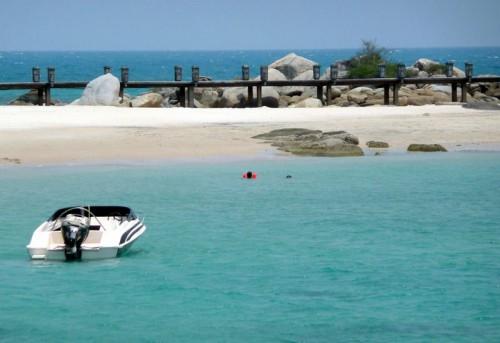 remondong beach bangka island